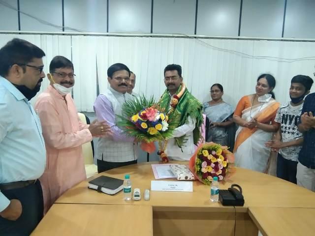 Ravindra Shetty taken charge | ರಾಜ್ಯ ಅಲೆಮಾರಿ, ಅರೆ ಅಲೆಮಾರಿ ಅಭಿವೃದ್ಧಿ ನಿಗಮ ಅಧ್ಯಕ್ಷರಾಗಿ ರವೀಂದ್ರ ಶೆಟ್ಟಿ ಉಳಿದೊಟ್ಟು ಅಧಿಕಾರ ಸ್ವೀಕಾರ
