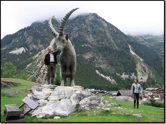 46-Ibex-Statue