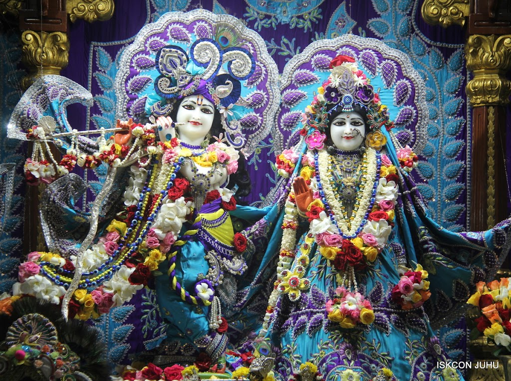 ISKCON Juhu Sringar Deity Darshan on 7th July 2016 (3)