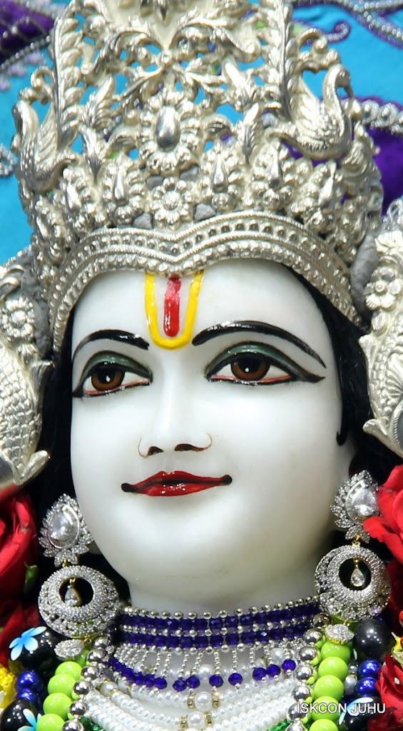 ISKCON Juhu Sringar Deity Darshan on 7th July 2016 (26)