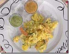 Verdure fritte con pesto di insalata e maionese di pomodoro