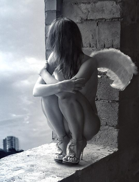 Angel In Window, Angels 5