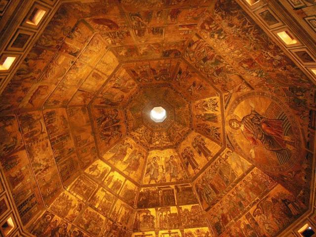 Cúpula con mosaicos bizantinos