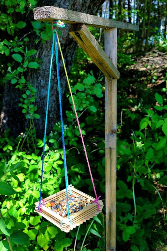 feeder-vertical--683x1024