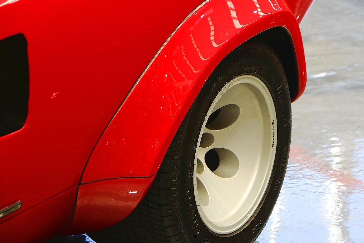 Lamborghini Countach (16).jpg