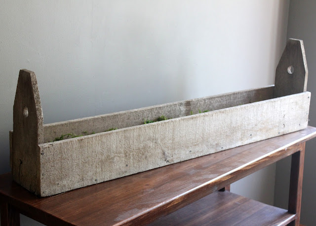 Large wooden trough available for rent from www.momentarilyyours.com, $8.00.