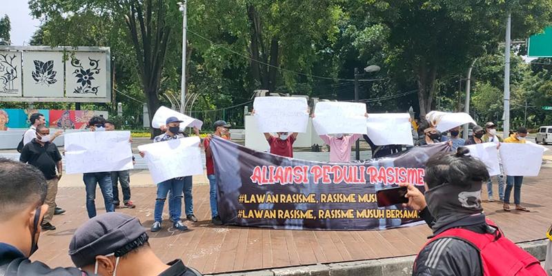 Mahasiswa Papua Aksi di Istana Negara Tolak Rasisme