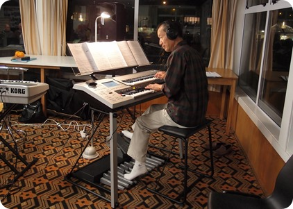 Taka Iida brought along his Yamaha Electone D-Deck and played absolutely superbly for the audience that were hanging on every note. Photo courtesy of Dennis Lyons.