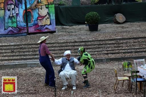 Alice in Wonderland, door Het Overloons Toneel 02-06-2012 (24).JPG