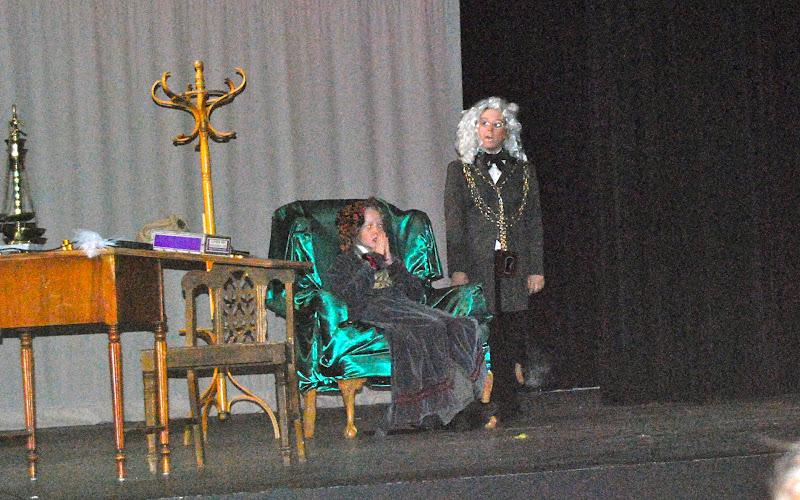 2009 Scrooge  12/12/09 - DSC_3376.jpg
