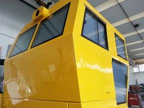 Cabina di conduzione mezzo per manutenzione binari - 01