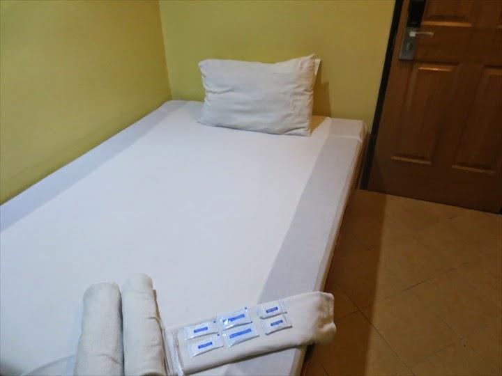 グランプリックスホテル(マニラ)ベッド