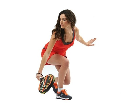 El pádel sigue en auge entre las mujeres españolas. Hola.com Padel League & Herbalife apuestan fuerte por el pádel femenino.