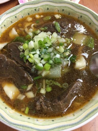 牛肉麵可以加湯,湯好👍