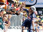 """Innige knuffel tussen Mathieu van der Poel en moeder na ritwinst in de Tour de France: """"Het zal voor haar super emotioneel geweest zijn"""""""