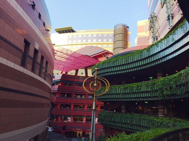 Canal city shopping complex in Fukuoka City is a really cool place, great for shopping and getting some good photos