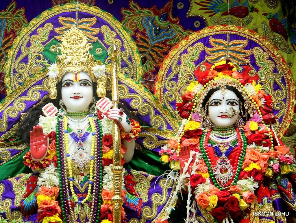 ISKCON Juhu Sringar Deity Darshan on 31st July 2016 (30)