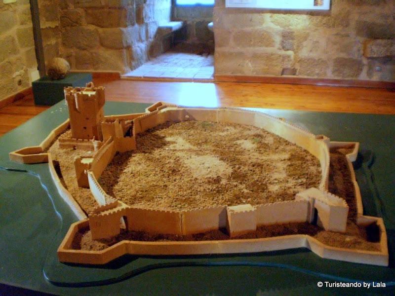 Maqueta del castillo y recinto amurallado de San Felices de los Gallegos