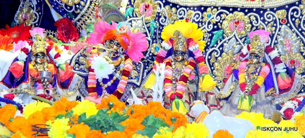 ISKCON Juhu Sringar Deity Darshan on 24th September 2016 (14)