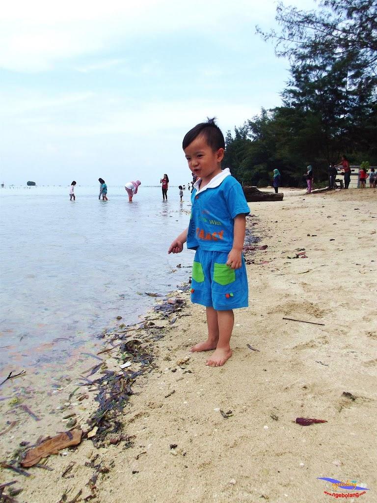family trip pulau pari 140716 Fuji 044