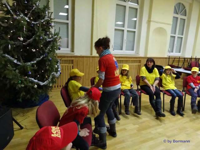 Weihnachtsfeier_Kinder_ (19).jpg