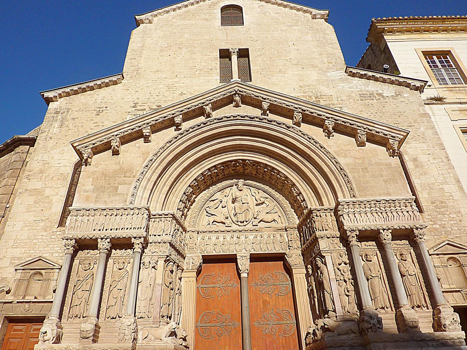 Arles saint trophime art roman corse provence midi pyr n es - Eglise saint laurent salon de provence ...