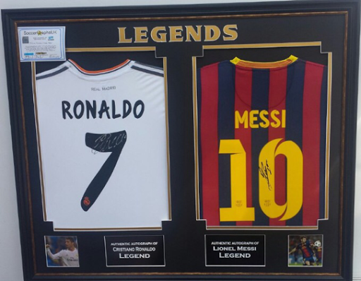 LEGOSTSHIRT&GADGETS: Camiseta Cristiano Ronaldo y Leo Messi firmadas ...