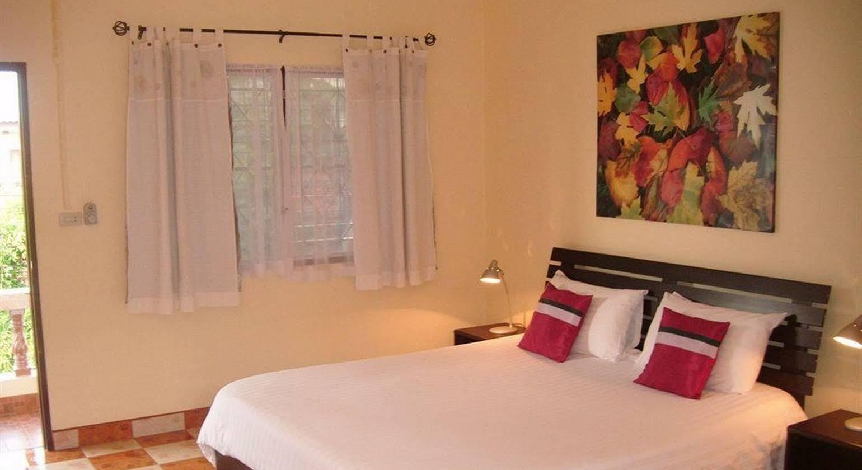 Hotel Puerta Del Sol Phuket