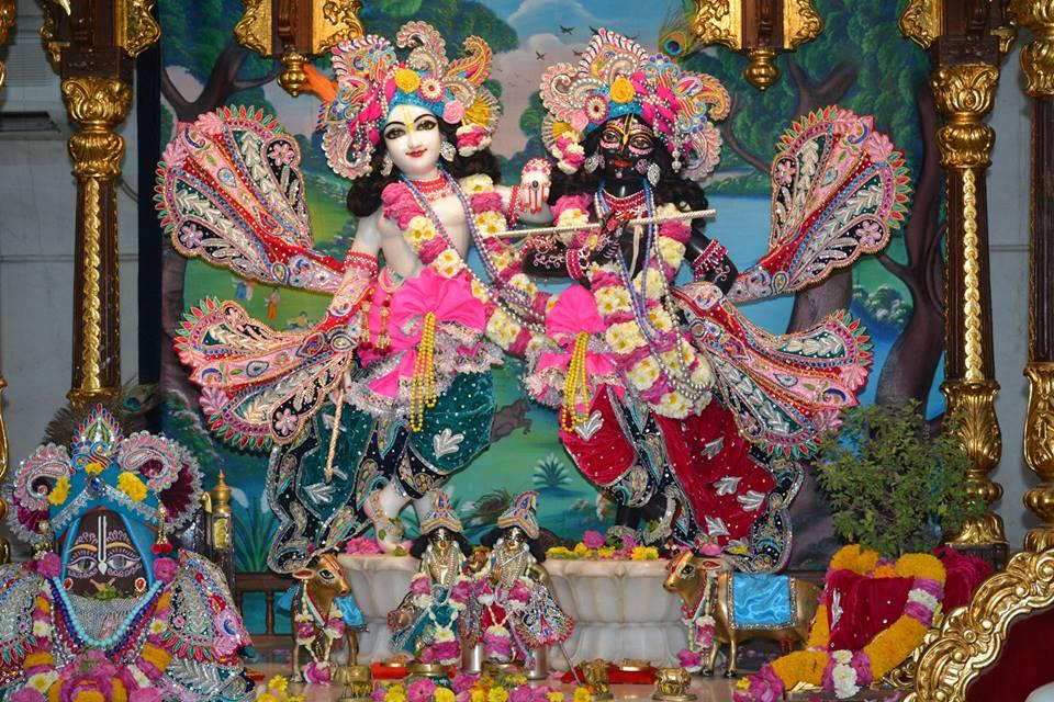 ISKCON Ujjain Deity Darshan 3 April 2016  (12)