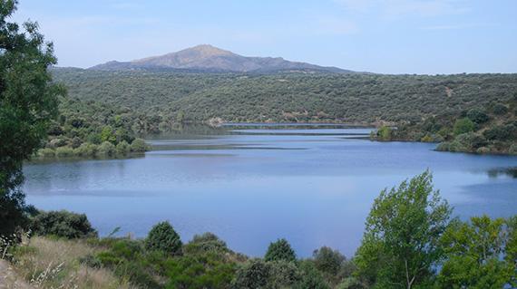 Embalse de Pedrezuela. Foto: elrincondelmojarra.blogspot.com