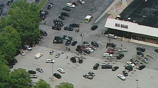 Georgia supermarket cashier murdered, deputy shot over face mask dispute