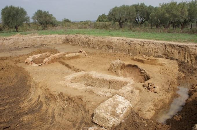 Αποκάλυψη οκτώ αρχαίων τάφων σε σωστική ανασκαφική έρευνα στην Ηλεία