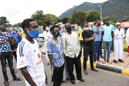 Namanga border truck drivers cry foul on their perishable produce