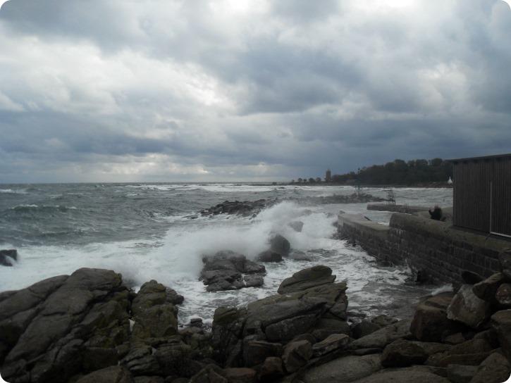 Svaneke Havn i blæsevejr