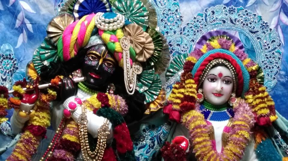 ISKCON Chandigarh Deity Darshan 20 Dec 2015 (1)