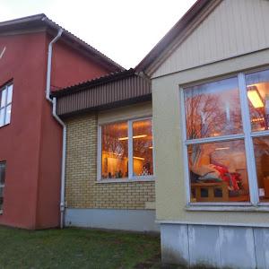 Bokutdelning i  Hökerums skola 2014