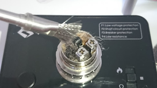 DSC 2469 thumb%25255B2%25255D - 【小物/ビルド】「Coilmaster Vape Brush(コイルマスター ブラシ付きコイルジグ)」レビュー。ドライバーン時のガンク除去+コイルジグの便利優れものビルド小道具!