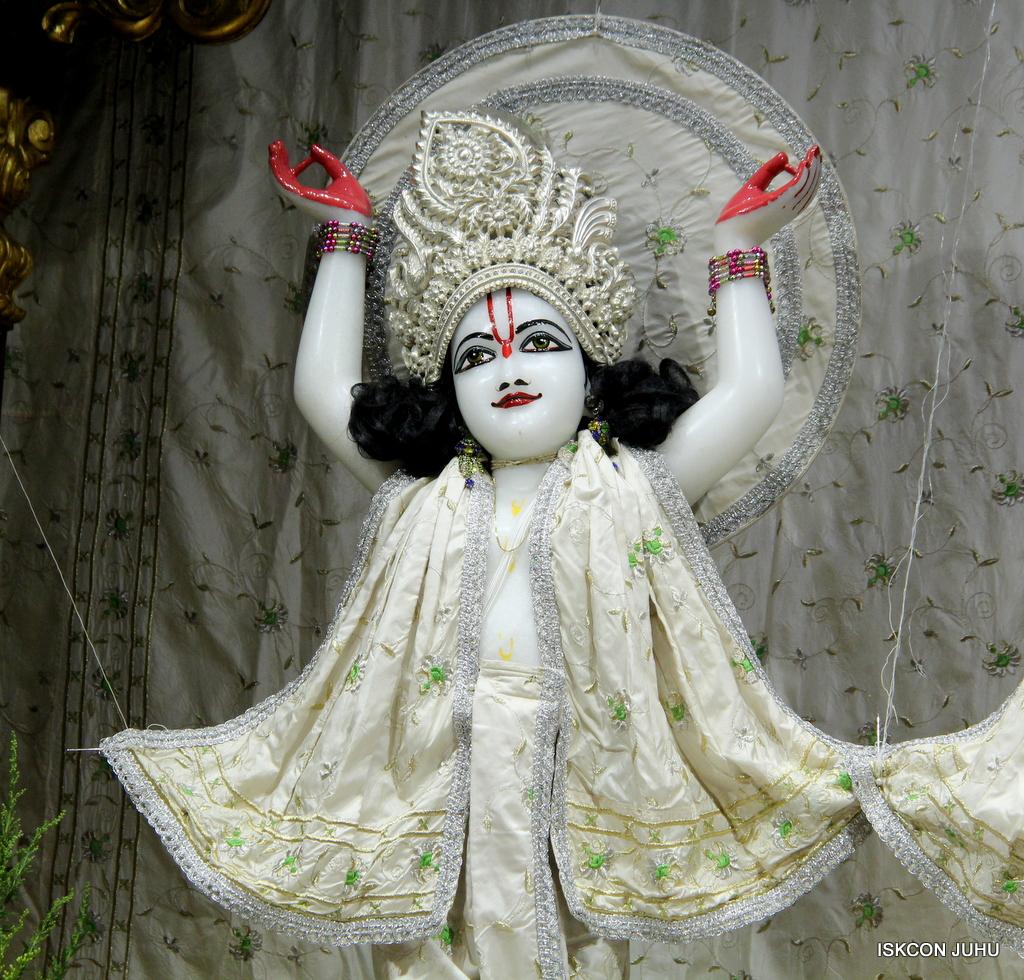 ISKCON Juhu Mangal Deity Darshan on 8th Sep 2016 (34)