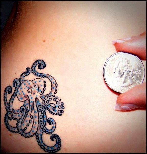 colorido_polvo_pequena_tatuagem