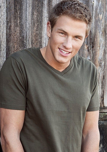 Anthony Konechny Age, Wiki, Biography, Height, Girlfriend, Instagram And 10 Facts