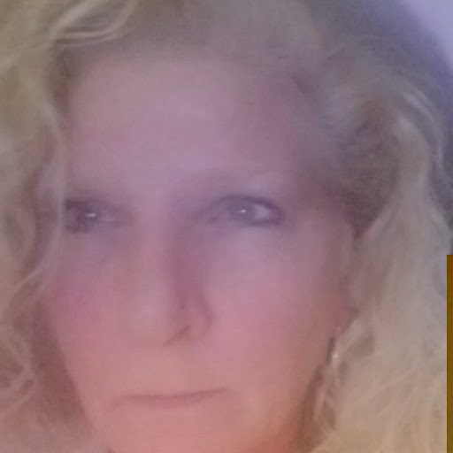 user Dawn Mclendon apkdeer profile image
