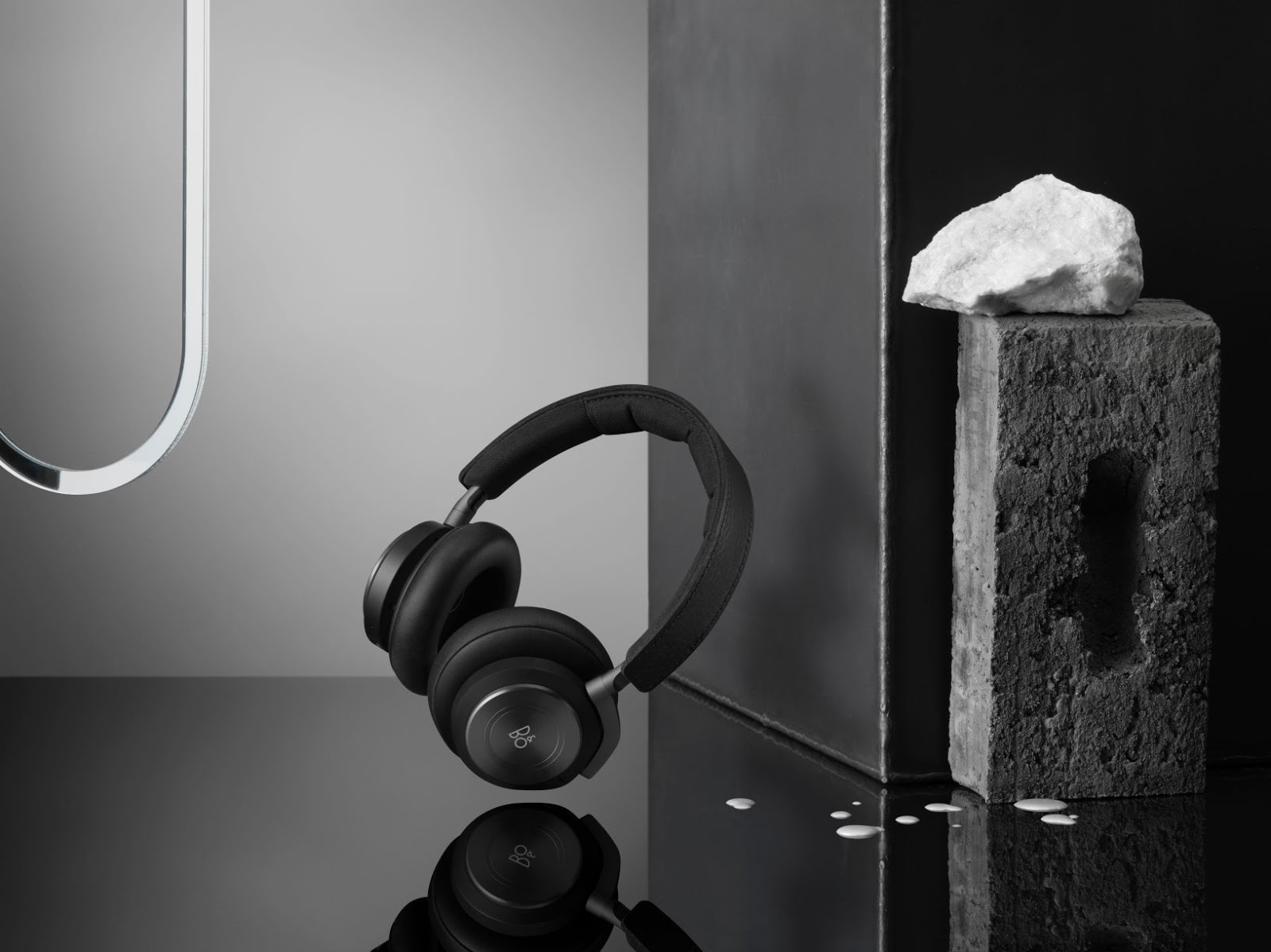 Bang & Olufsen เปิดตัว Beoplay H9 หูฟังรุ่นใหม่ โดดเด่นด้วยแบตเตอรี่ที่ใช้งานได้ยาวนานและฟีเจอร์คำสั่งเสียงสุดไฮเทค