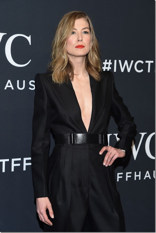 rosamund-pike-iwc-schaffhausen-for-the-love-of-cinema-gala-at-tribeca-2017-4