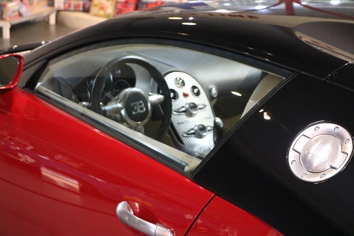 Jaguar_National_Rally_2018-04-14_0018 - Bugatti-Veyron.JPG