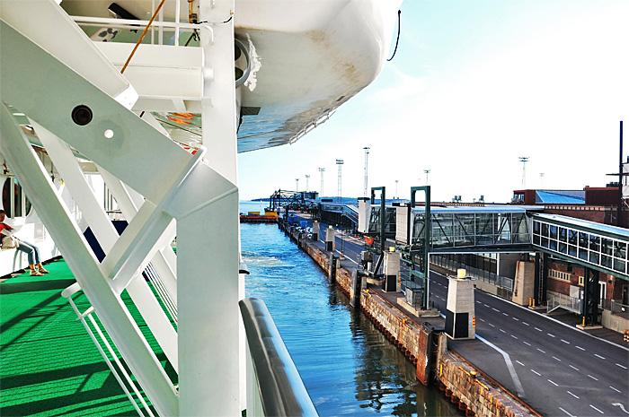 FerryTallinn03.JPG
