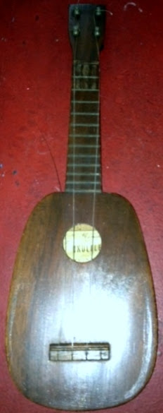 1960's William Akamuhou Pineapple Ukulele