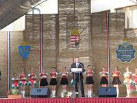 07Sóvárad polgármestere ünnepi beszédet mond.jpg