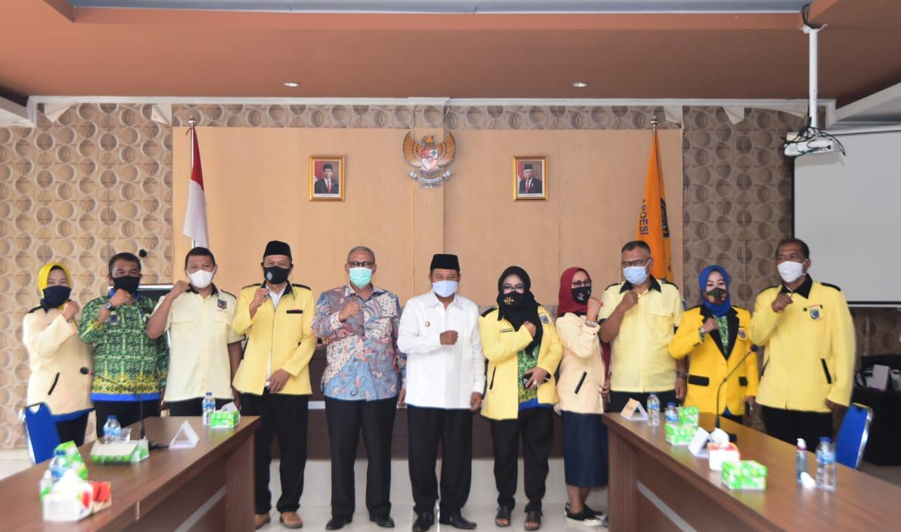 Uu Ruzhanul Ingin Organisasi Pemerintahan Desa Melebur Jadi Satu