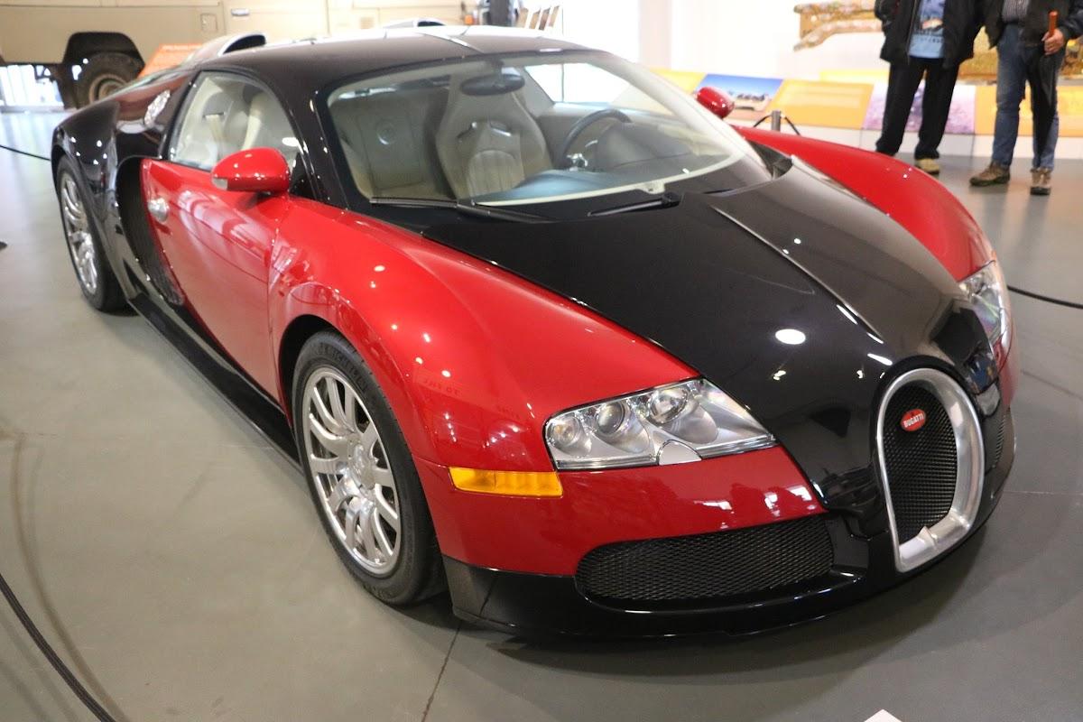 Jaguar_National_Rally_2018-04-14_0009 - Bugatti-Veyron.JPG