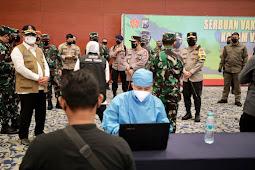 Panglima TNI dan Kapolri Mengecek Vaksinasi serta Kegiatan PPKM Darurat di Jatim